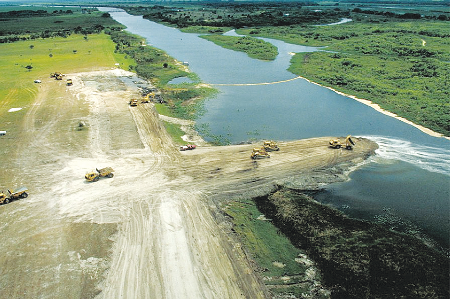 The Kissimmee Project aims to return a natural flow to 40 miles (one-third) of the river and restore about 25,000 acres of wetlands by 2019.