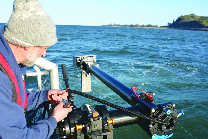 Kaminsky deploys the port side multibeam sonar