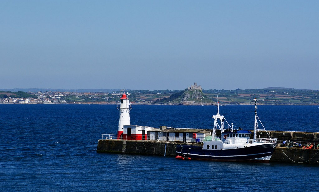 Newlyn harbour lighthouse