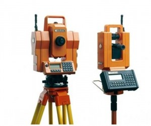 Geodimeter 4000, the first robotic total station – circa 1990. Source: Trimble