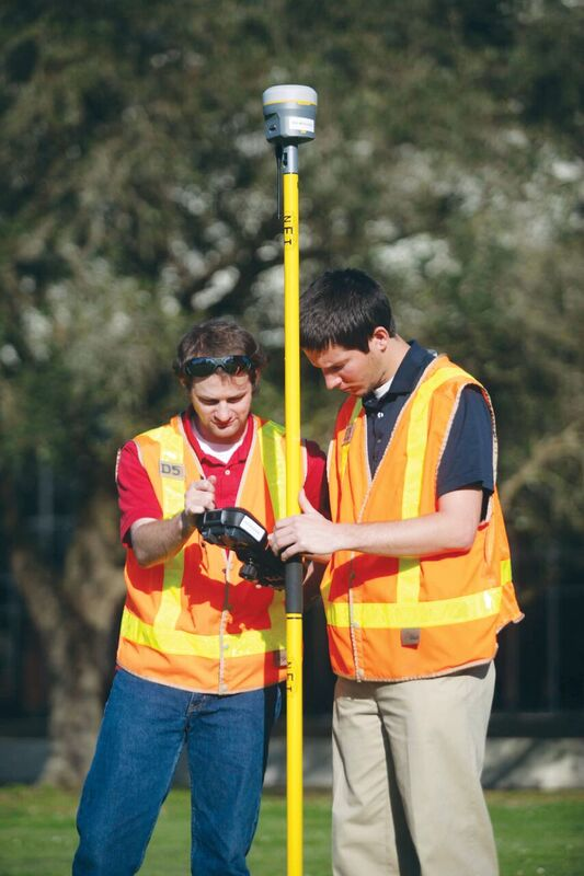 Cody Parks & Paul LeBlanc use an R10 GNSS receiver for a field lab, Nicholls State University profile, xyHt August 2017