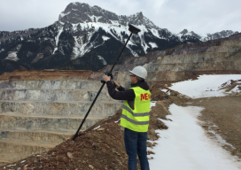Australian mining company VA Erberg tests the GS!* T at one of their operations. They're particularly interested in the safety aspect—to be able to make observations while standing back from dangerous edges—and immunity to the many magnetic hazards of the mining sites. Credit: Philipp Zebedin of Leica Geosystems.